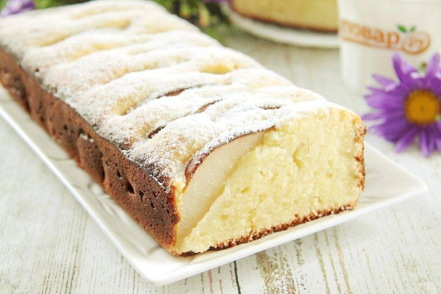 По желанию украшаем кекс сахарной пудрой или любой глазурью. Приятного аппетита!
