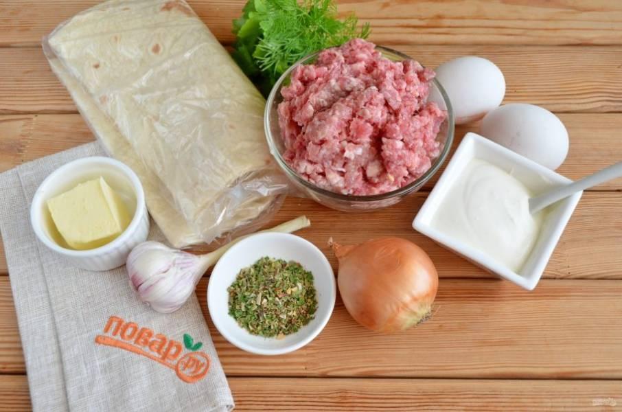 Подготовьте продукты, лук и чеснок очистите. Приступим!