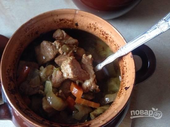 Мясо получается мягким, сочным и очень вкусным.