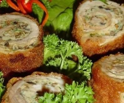 8. Подаем к столу в горячем или холодном виде, украшаем зеленью. Рядом можно выложить свежие овощи.
