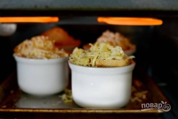 12. Запекайте блюдо 2 минуты в духовке при 180 градусах.