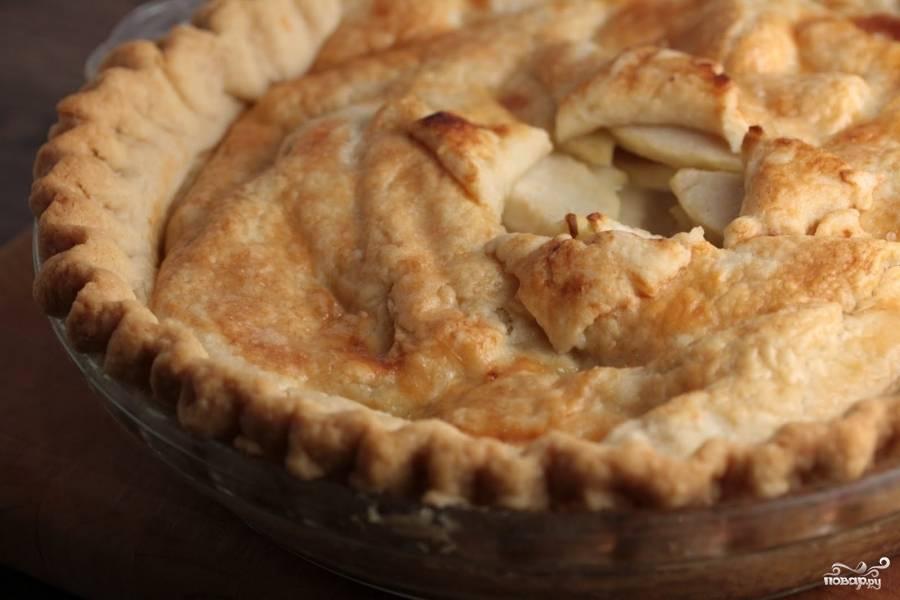 Пирог с грушами и вишней