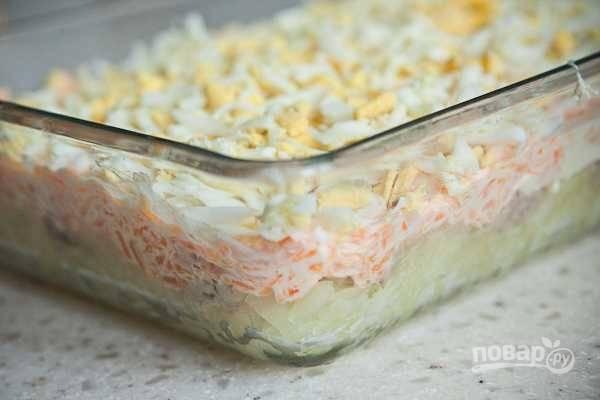 10. Все, салатик готов. Перед подачей его на пару часов нужно отправить в холодильник. Приятного аппетита!