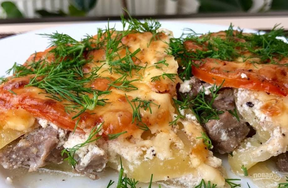 Мясо с овощами в духовке под сыром