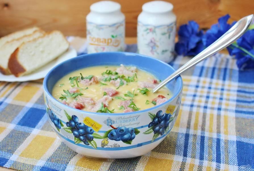 Гороховый суп-пюре с копчеными ребрышками