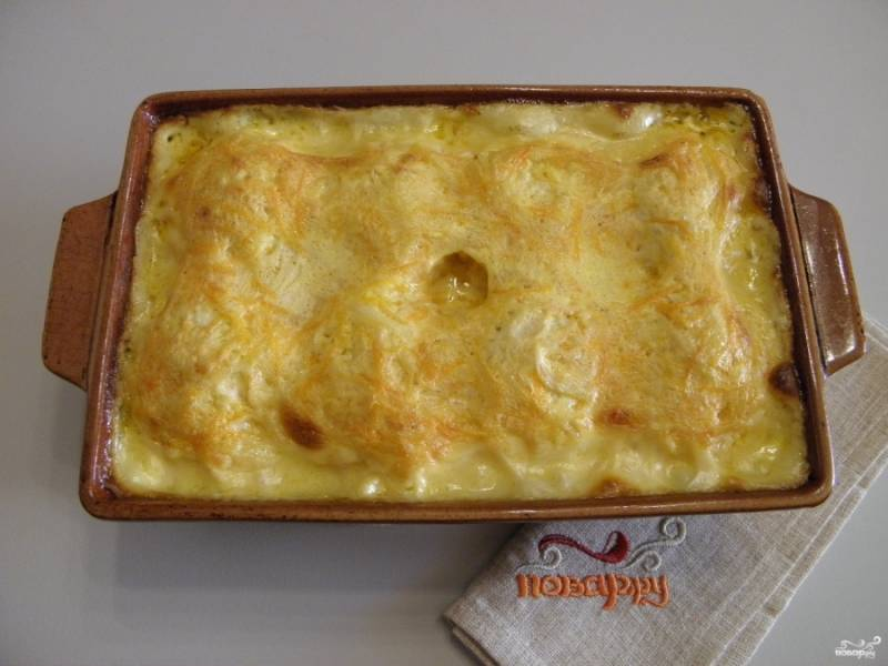 Тефтели под сметанным соусом готовы! Подавайте их горячими с любым гарниром. Приятного аппетита!