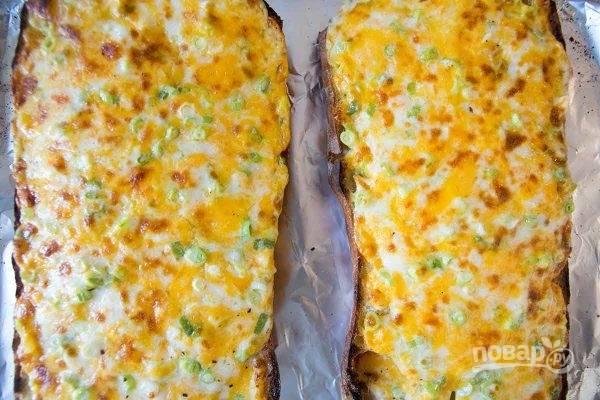 5.Запекайте хлеб в разогретом до 180 градусов духовом шкафу несколько минут (около 5).
