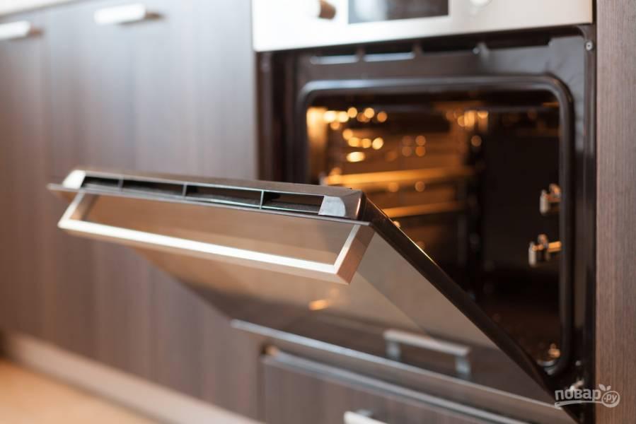 5 способов, как быстро почистить духовку от нагара и застарелого жира
