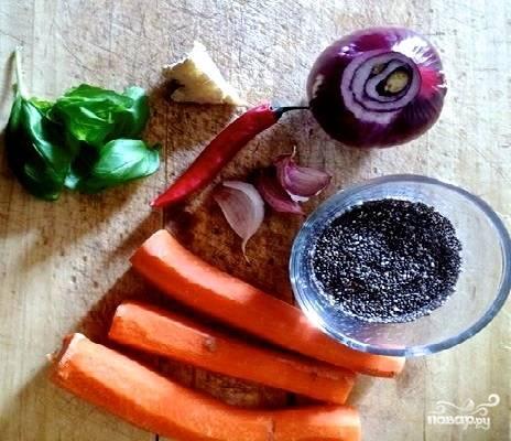 1. Список ингредиентов, необходимых, чтобы повторить этот рецепт на своей кухне довольно прост. Первым делом нужно в подсоленной воде отварить до готовности рис или просо.