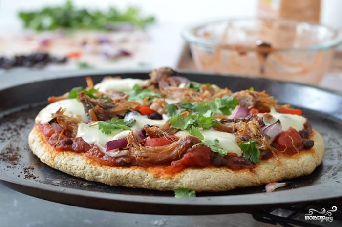 Пицца на толстом тесте