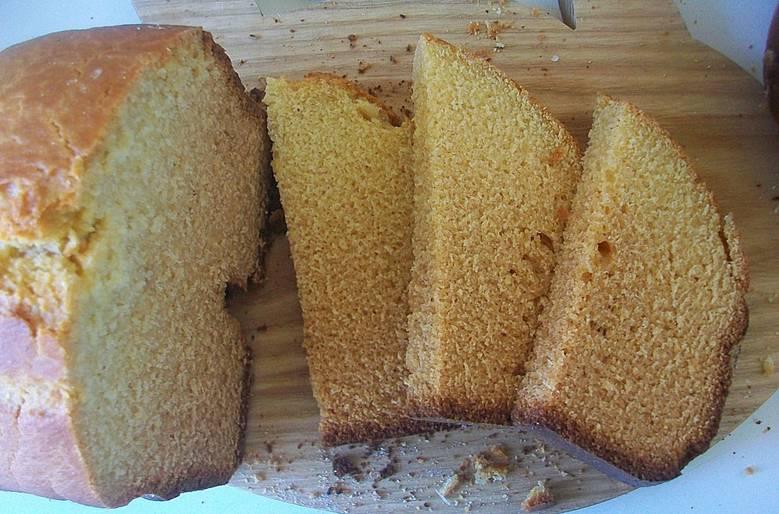 Нарезаем хлебушек порционными кусочками — и наслаждаемся. Приятного аппетита!