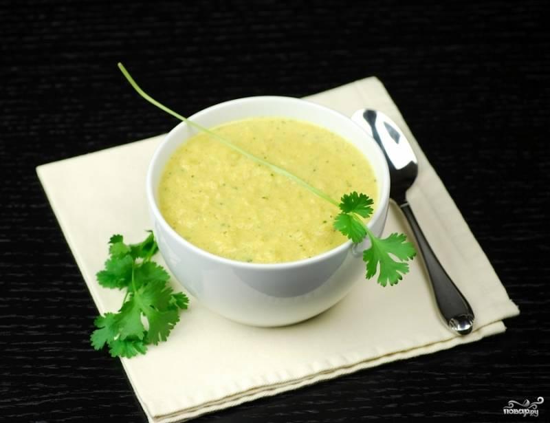 Простой суп-пюре из цветной капусты