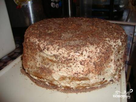 Пирог украшаем какао или тертым шоколадом.