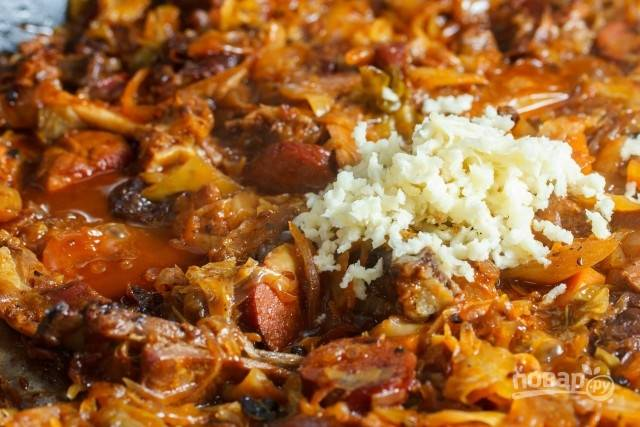 15. Перед подачей блюда на стол добавьте пропущенный через пресс чеснок. Очень сытно, ароматно и вкусно. Приятного аппетита!
