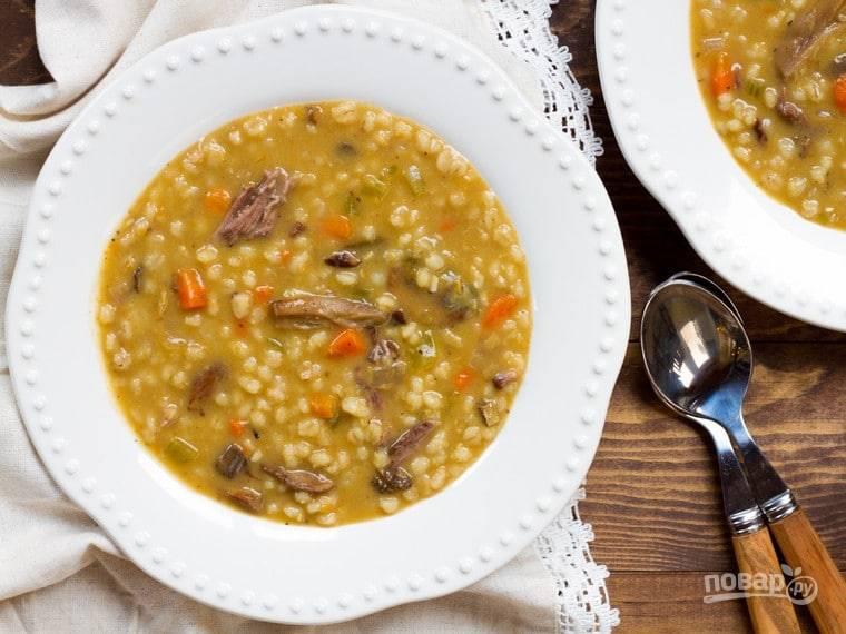 8. Во время варки добавляйте воду по необходимости. Посолите и поперчите суп. Приятного аппетита!