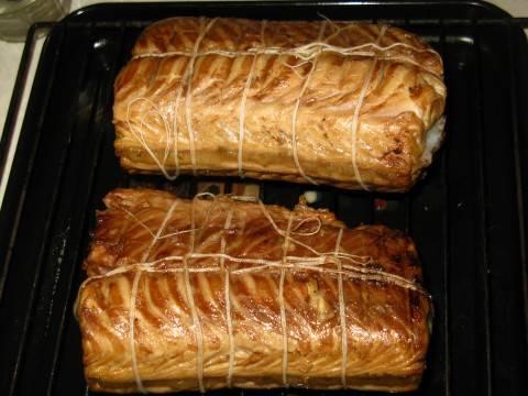 Отправляем в духовку на 1,5 час при 80 С. Коптим сначала с одной стороны. Учтите, у духовки должен быть режим конвекции.
