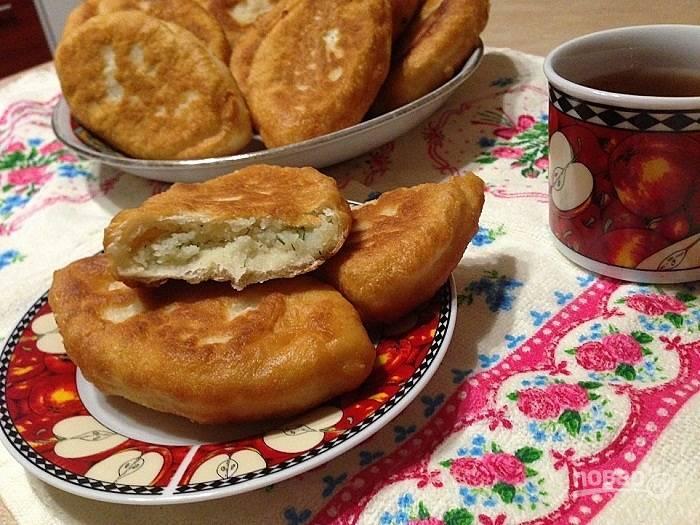 Дрожжевые пирожки с картофельной начинкой