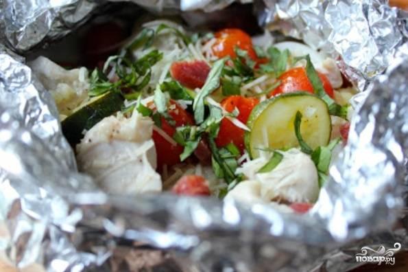 Курица с овощами в фольге