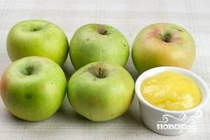 Очень хорошо подходят для запекания яблоки сорта ренет Симеренка. Можно взять любые другие с кисловатым вкусом и с жесткой кожурой.