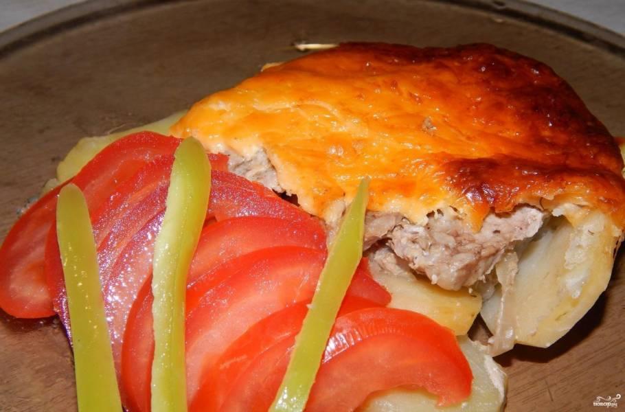 Картошка со свининой на противне