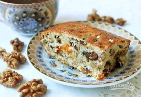 Запекайте кекс при 160 градусах в горячей духовке в течение 35 минут. Приятного чаепития!