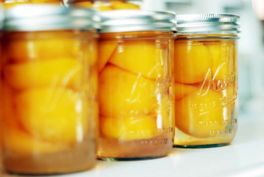 Консервированные персики