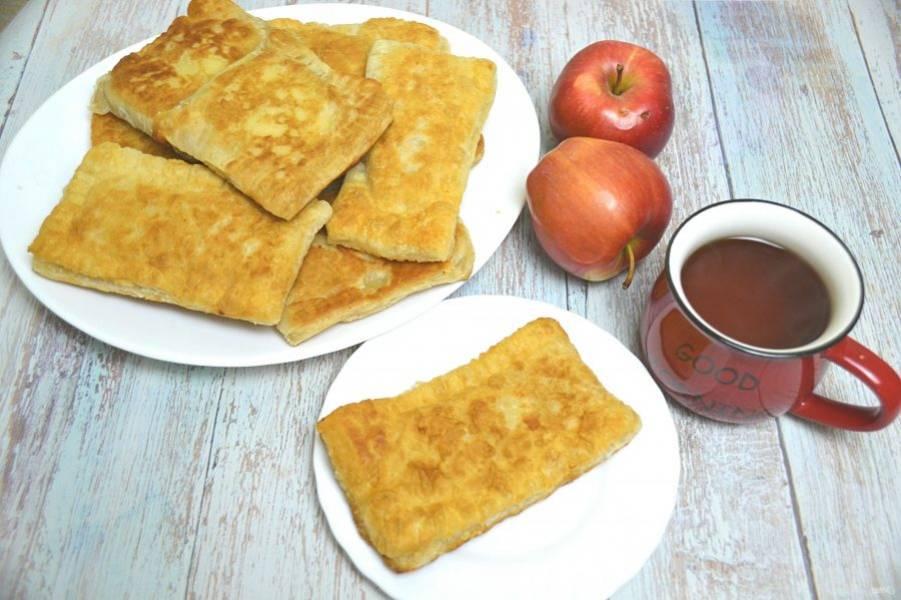 Пирожки как в Макдональдсе готовы, можно ставить чай и звать домашних к столу. Пирожки получились очень вкусными, с хрустящей корочкой.