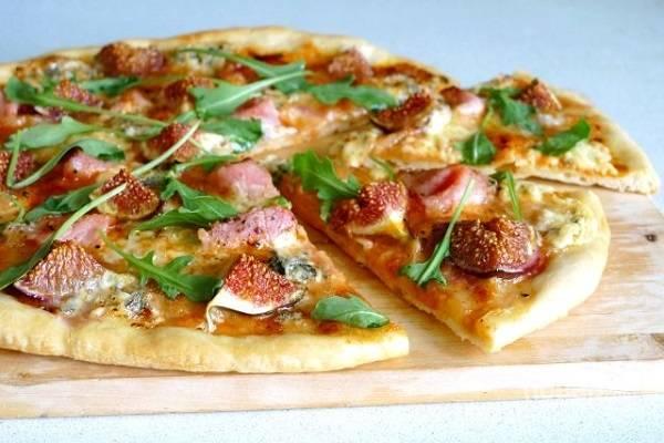 Пицца из пирожкового теста в духовке