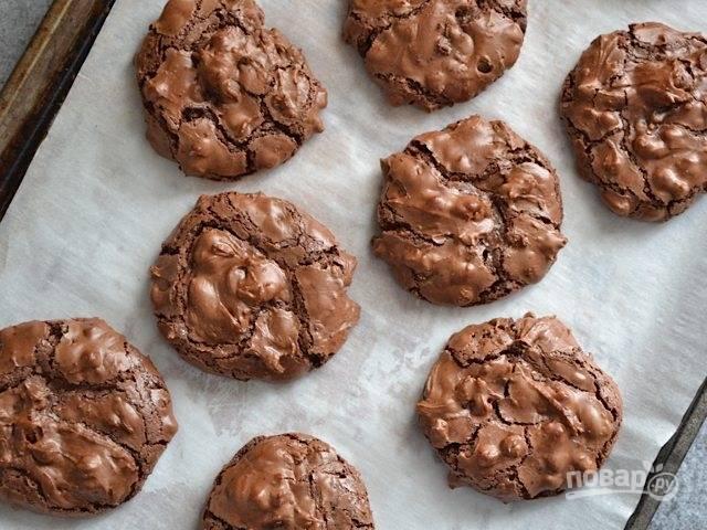 6.Запекайте печенье в разогретом до 170 градусов духовом шкафу около 15 минут.
