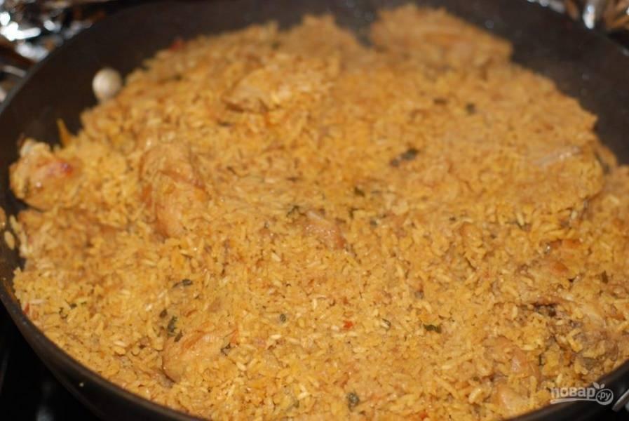 9. Готовое блюдо приправьте солью и перцем по вкусу. Подавайте горячим. Приятного аппетита!