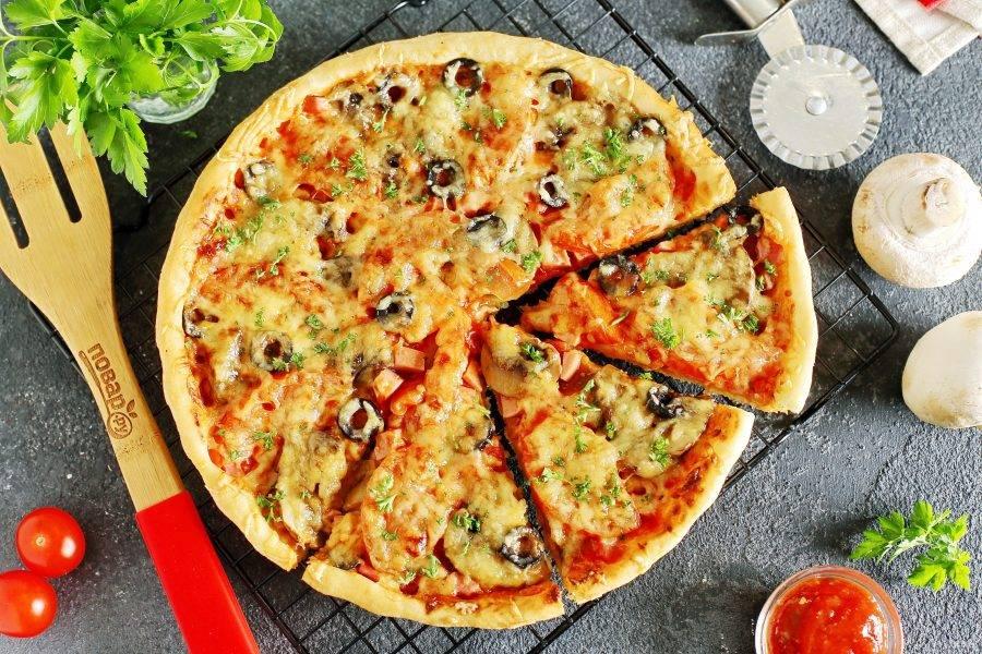 "Пицца ""Для друзей"" готова. Приятного аппетита!"