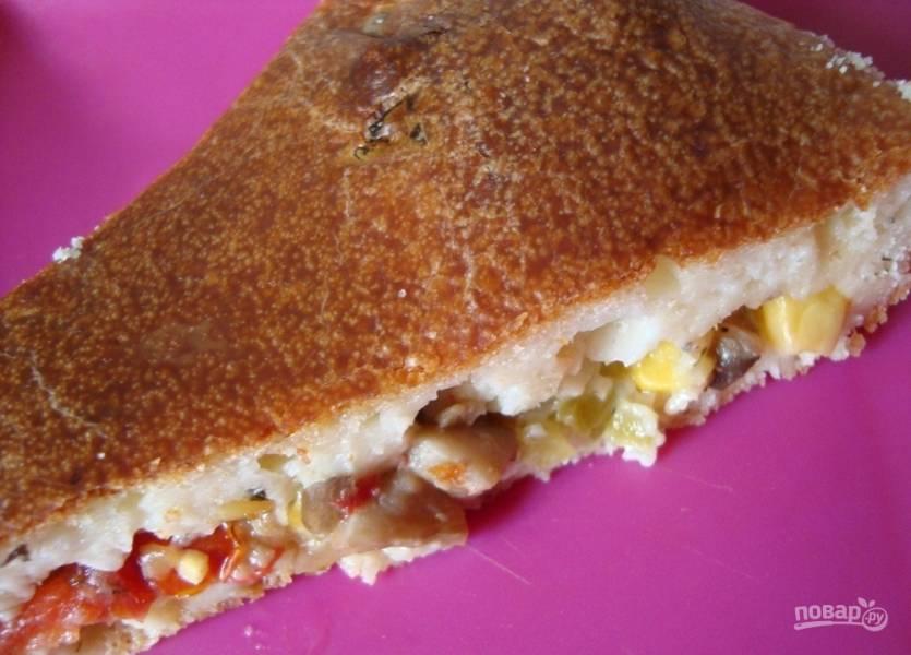 Пирог с вешенками и кукурузой
