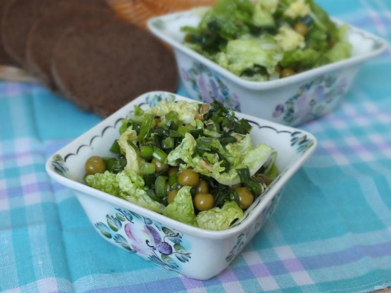 Постный салат с зеленым луком