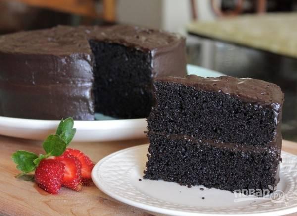 7.Спустя необходимое время подавайте торт к столу.