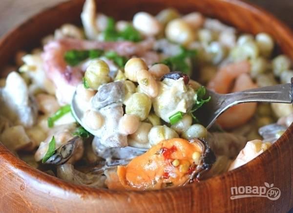 Салат с белой консервированной фасолью