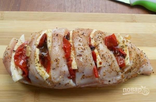 3. Добавьте вяленые помидорки, если есть.