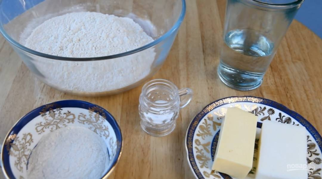1.Приготовьте все необходимые для теста ингредиенты.