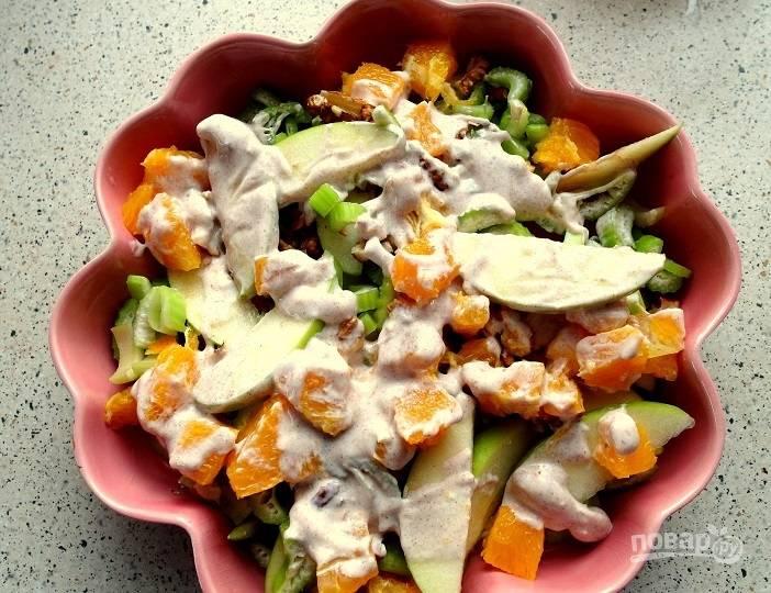 Рецепт салата из сельдерея и яблок