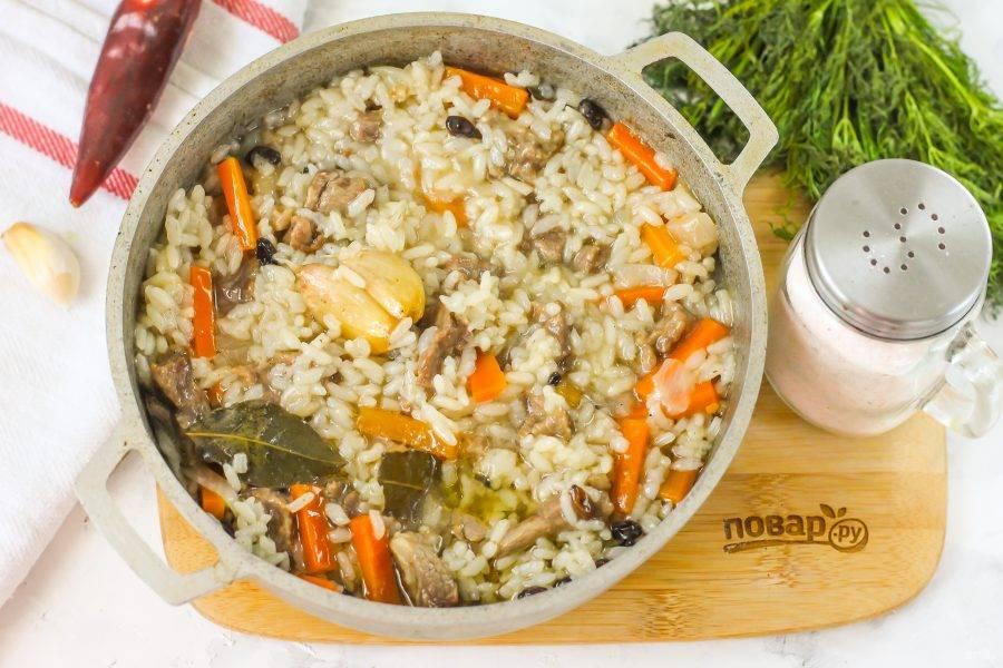 За это время рис пропитается зирваком, станет сочным, бархатистым на вкус.