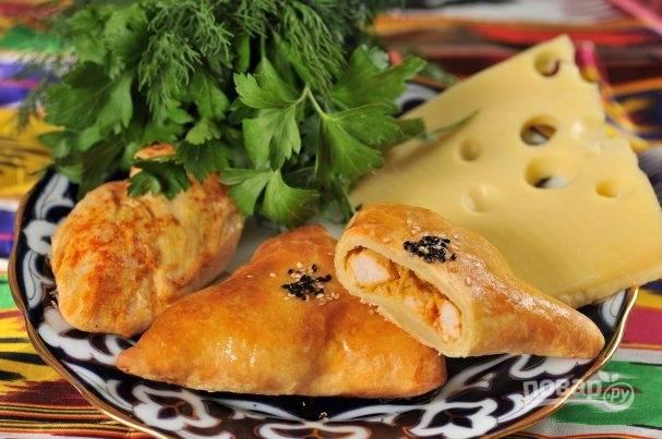 Самса с курицей и сыром