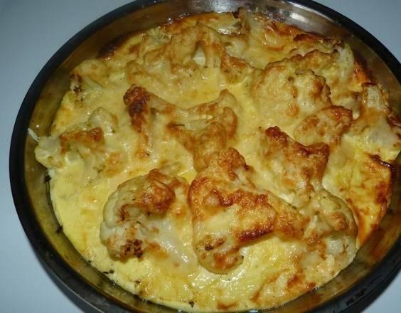 Вот цветная капуста с сыром в мультиварке и готова. Приятного аппетита!