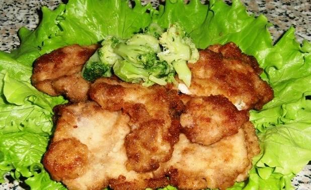 5. Подаем их на листьях салата вместе с овощами или гарниром. Презентация может быть по вашему усмотрению.