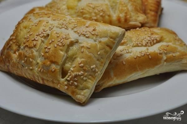Слоеное тесто с сыром в духовке