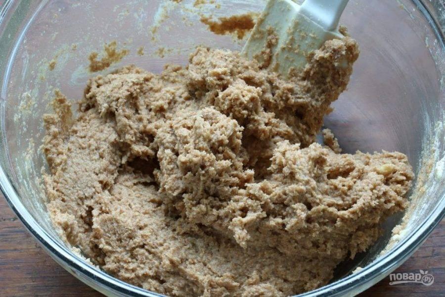 5.Получится густое тесто, что больше напоминает кашу.