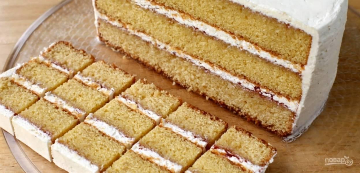 10.Нарезать этот торт я советую так, как показано на рисунке – небольшими кусочками. Приятного аппетита!