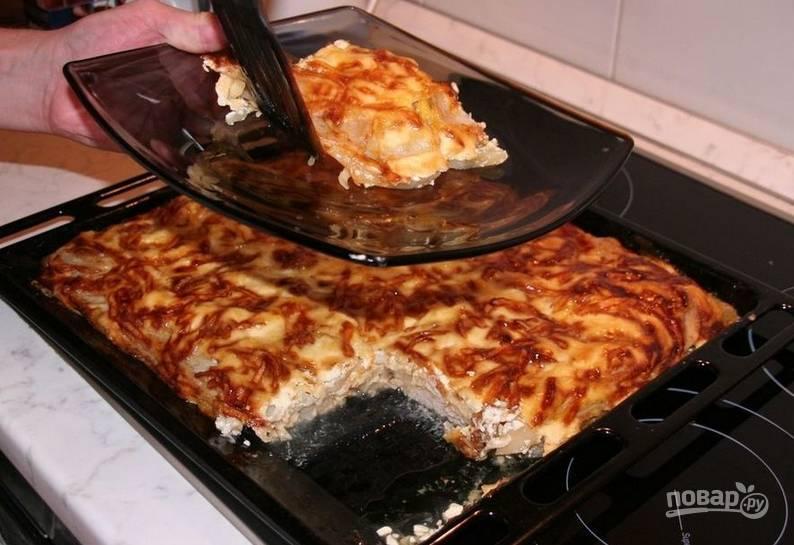 Запекайте блюдо в духовке 50 минут, температура — 200 градусов.