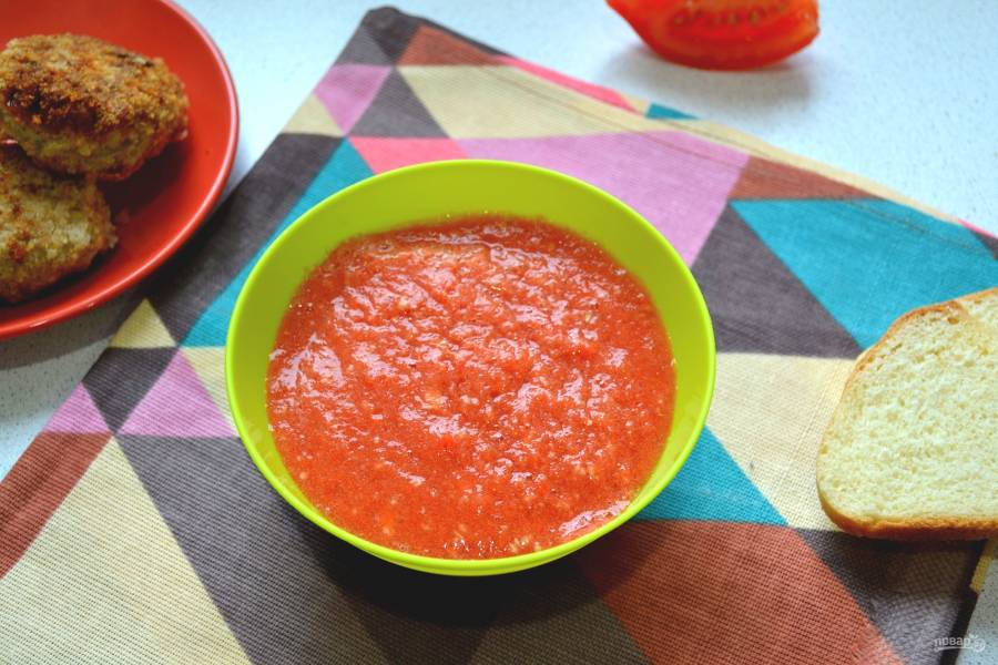 Закуска из хрена с помидорами и чесноком