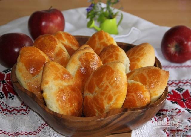 Пирожки с яблоком