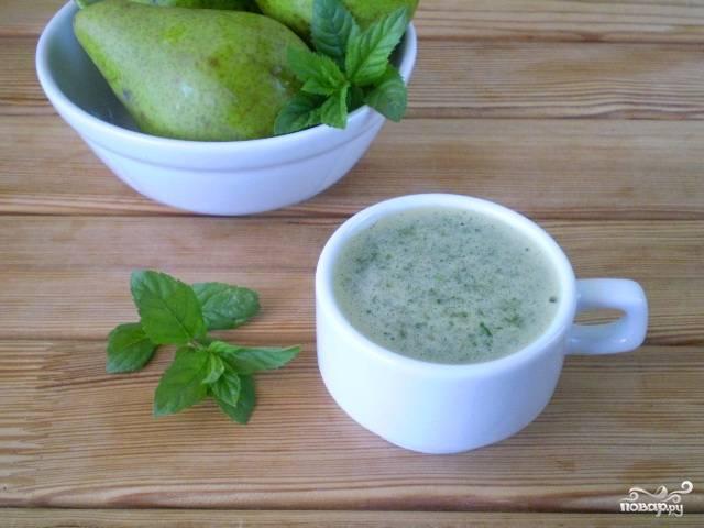 Зеленый коктейль с грушей