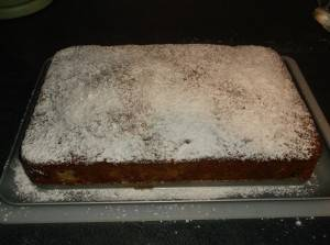 Выпечь пирог при 180 градусах в течении 40 минут.